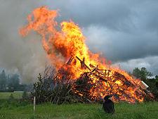 Midsummer_bonfire