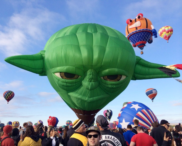 yoda-head-hot-air-balloon-1