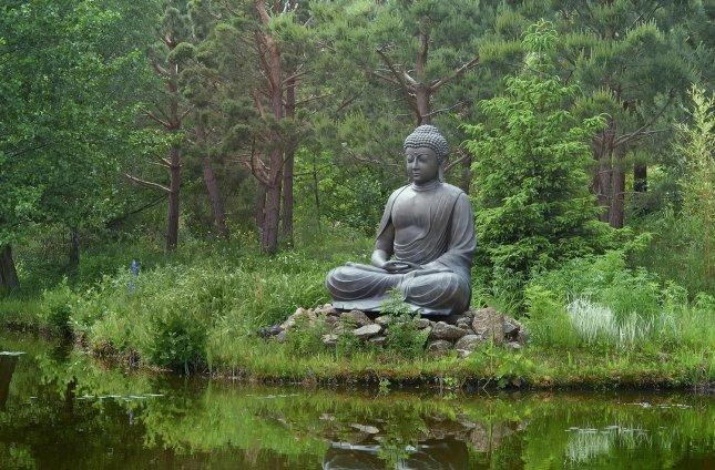 buddha+in+garden
